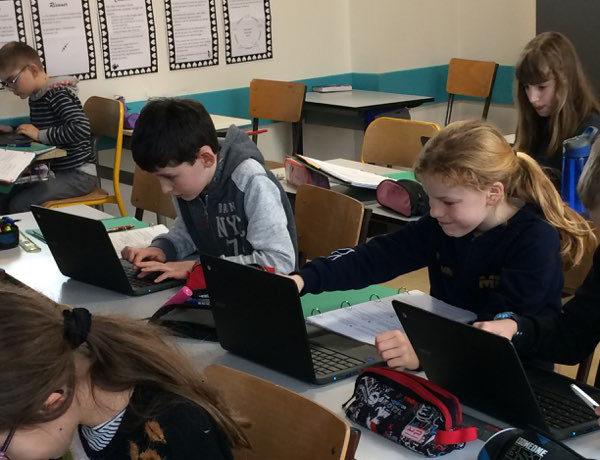 La classe de CM1 et les tablettes de la classe mobile